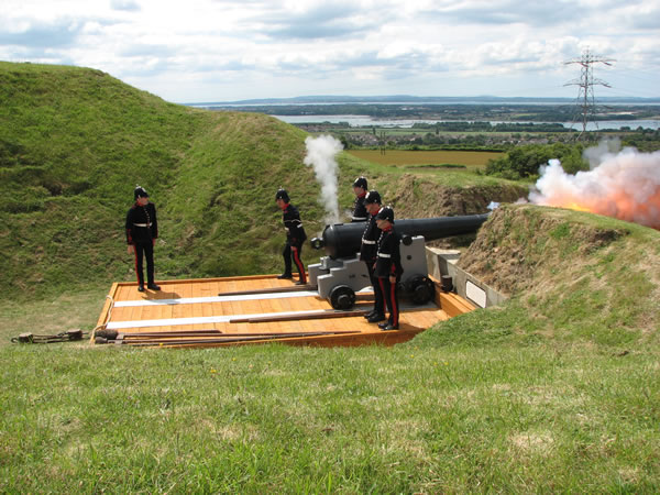 PAV firing the 64 pdr RML on Garrison Carriage at Fort Nelson