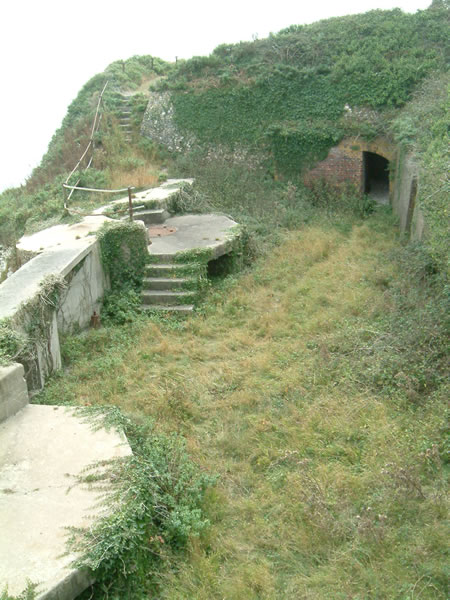 Freshwater Redoubt, 12pdr QF battery